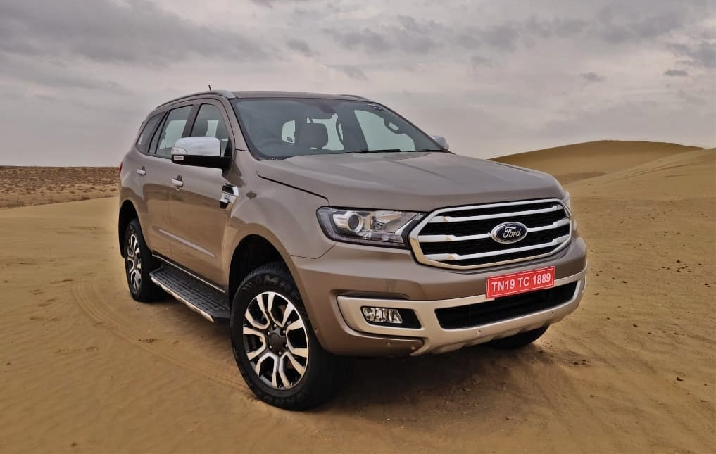 2019 ford endeavour three quaters image