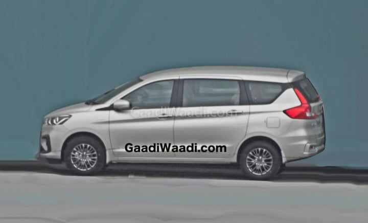 2019 maruti ertiga black alloy wheels image