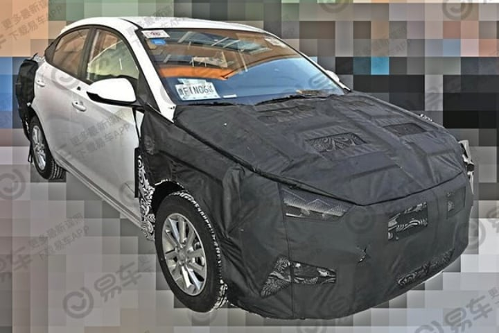 Hyundai Verna Facelift Spotted- India launch next year!