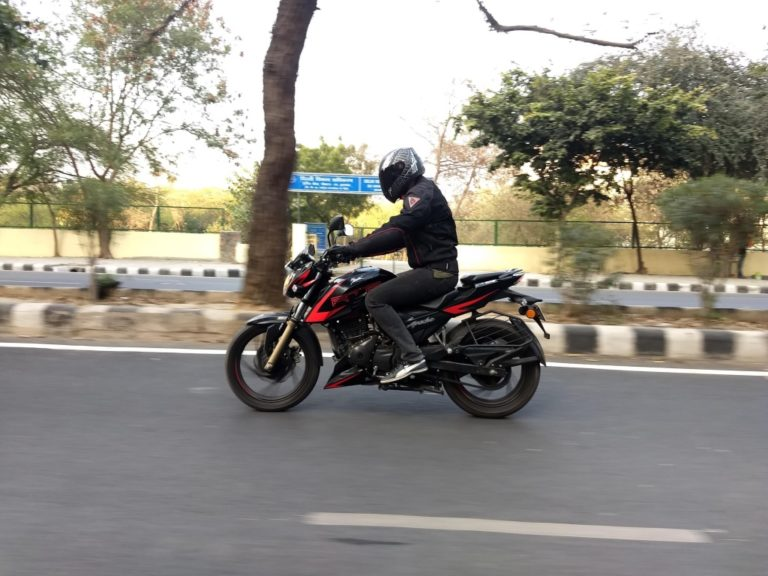 TVS Apache RTR 200 4V Carburettor Road Test Review – Is It The Best In Its Segment?