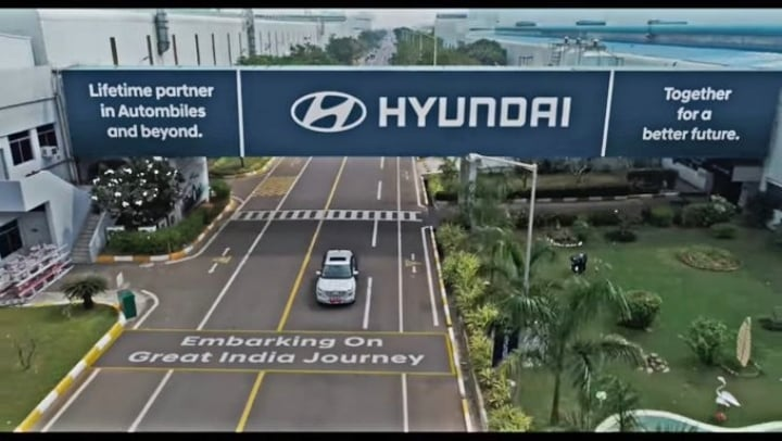 First Look: Hyundai QXi sub-compact SUV official teaser out!