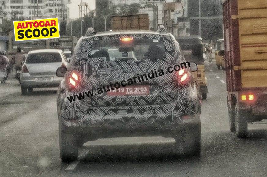 new renault duster rear image