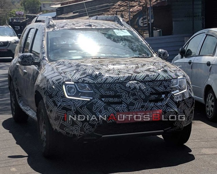 New Renault Duster spied up-close- More details revealed