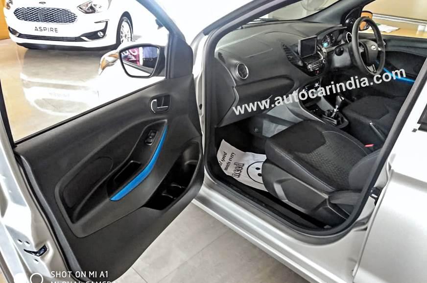 Ford Aspire Blu interiors image