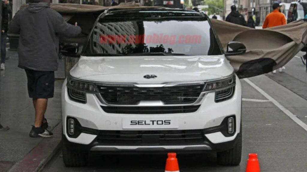 Production Spec Kia Seltos spotted testing outside India