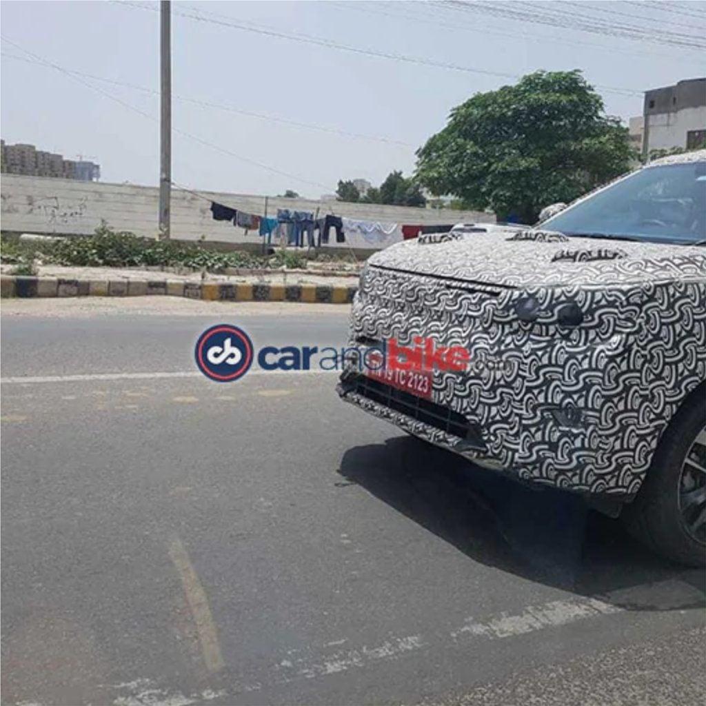 Mahindra XUV300 AMT Spotted testing in Gurgaon