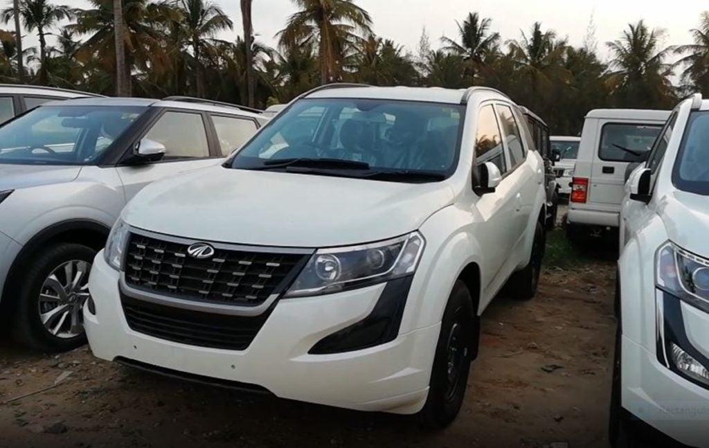 New Mahindra XUV500 W3 Base trim