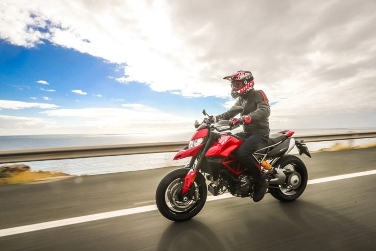 Ducati Hypermotard 950 Launched in India. Price – 11.99 Lakh (Ex-Showroom)