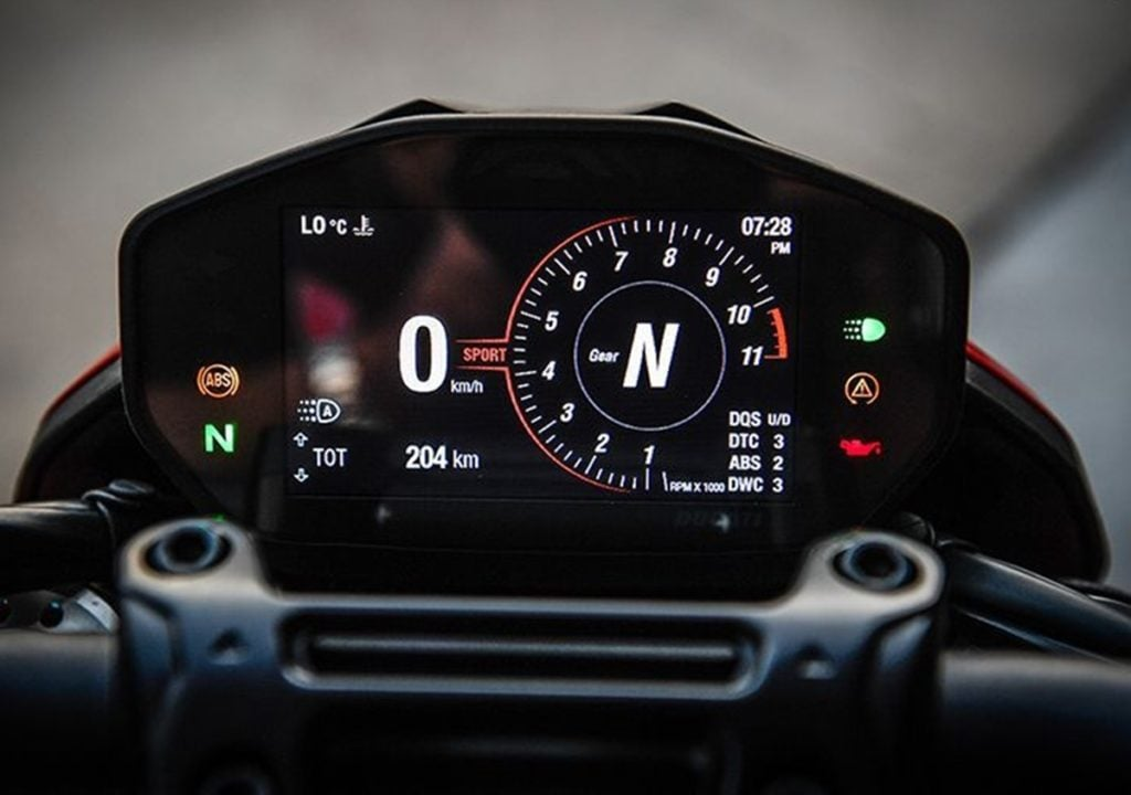 "Ducati Hypermotard 950 gets a new 4.3"" TFT display"