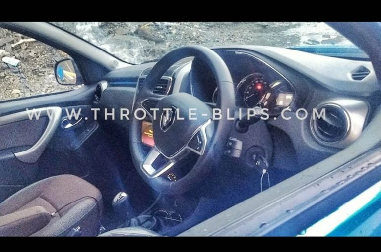 Renault Duster Facelift Interiors Spied – Gets more detailing