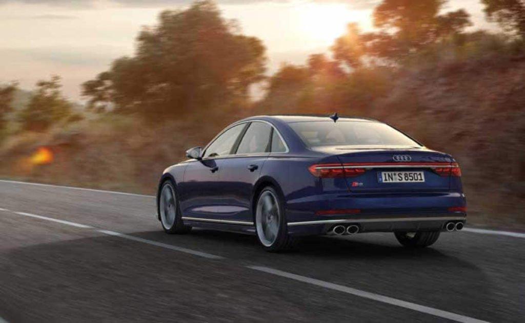 Audi S8 rear profile