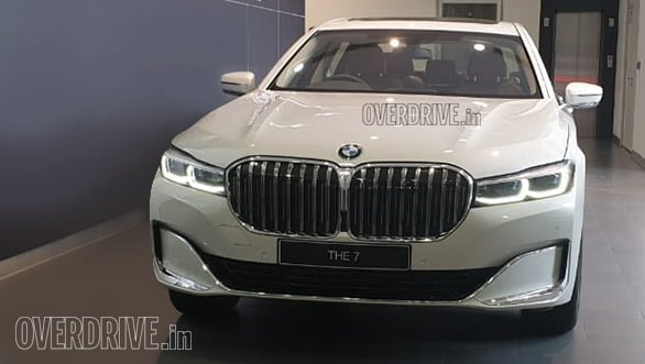 2019 BMW X7 and 7 Series Spied At Dealerships – Launch On July 25