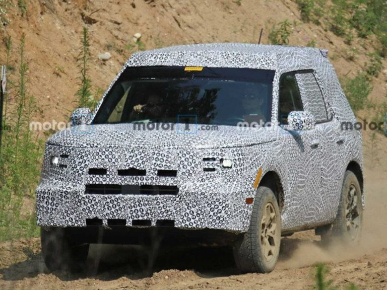 Ford Baby Bronco or the Adenturer Spied Testing for the First Time Off-road!