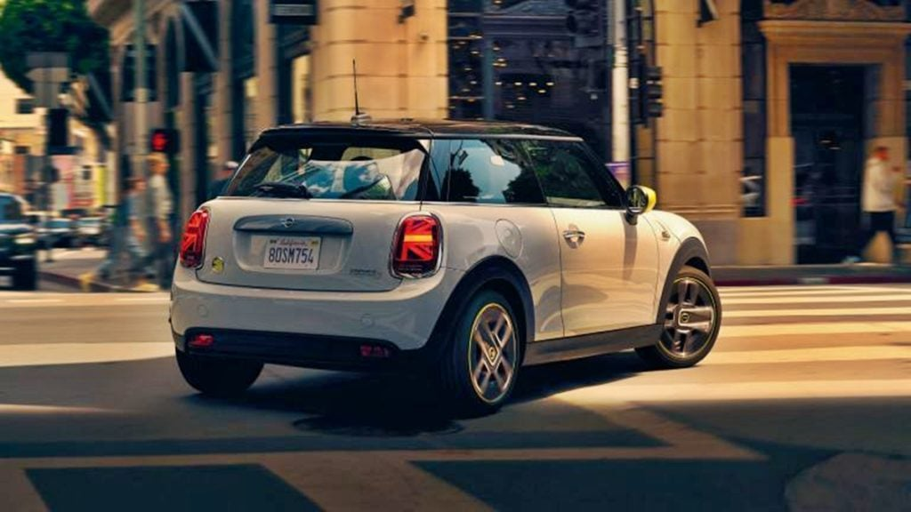 The Cooper SE has classic Mini styling elements.