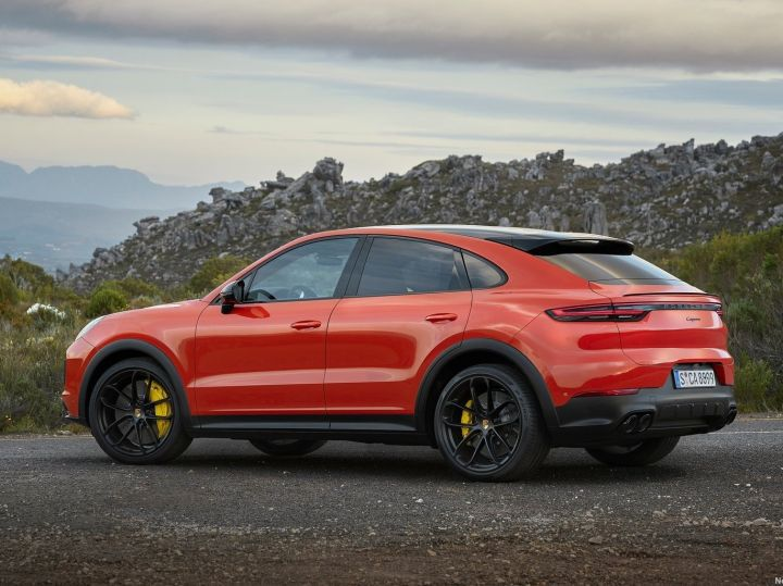 Porsche Cayenne Coupe rear profile