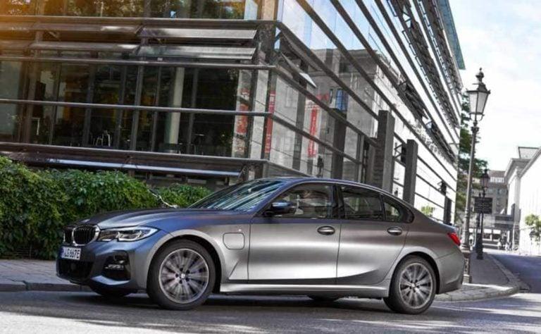 BMW 3-Series Plug-In Hybrid Unveiled Internationally!