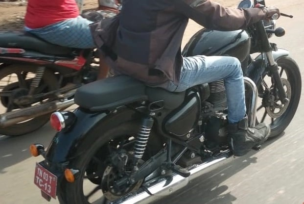 New Royal Enfield Thunderbird X Spy Images Leaked; To Get Many Upgrades