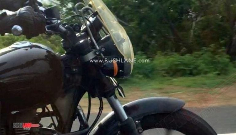2020 Royal Enfield Thunderbird Spied Testing With New Accessories