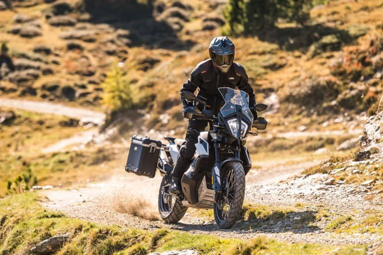 KTM 790 Adventure will Hit Indian Shores Next Year!