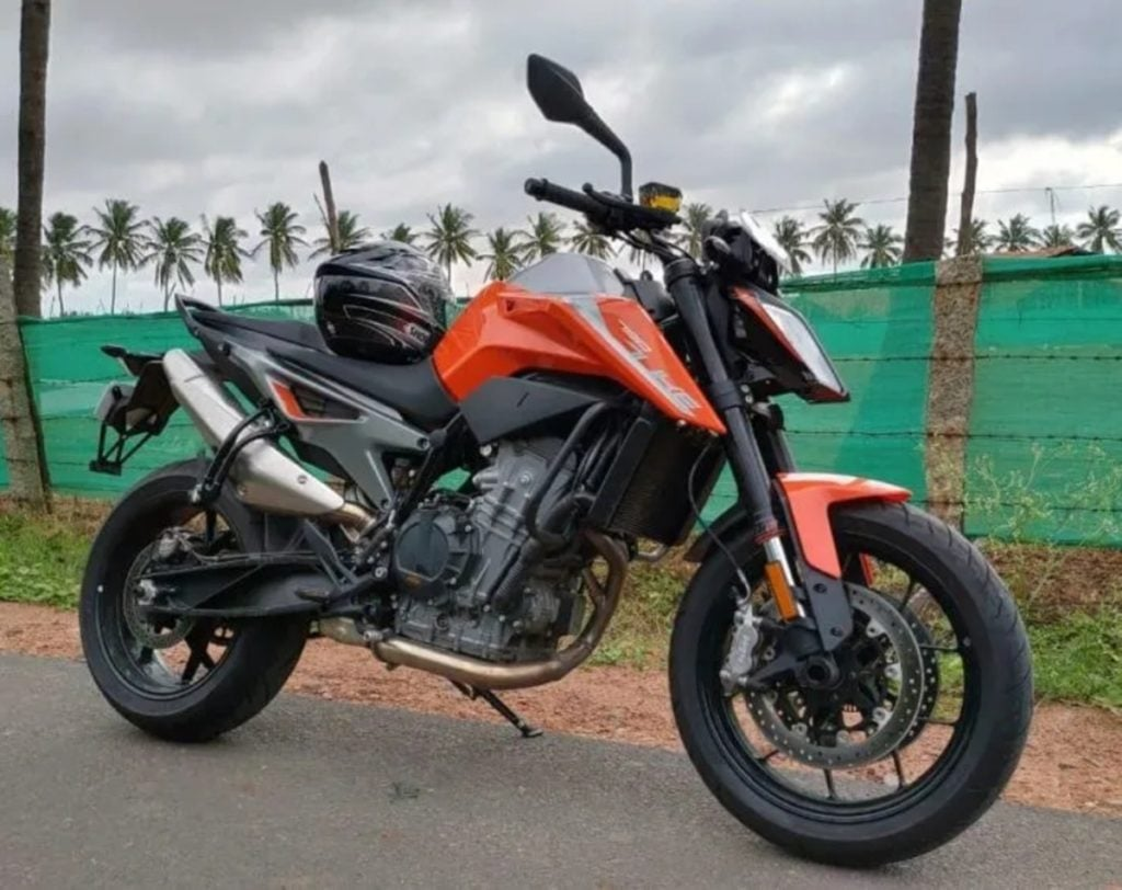 KTM Duke 790 spied at dealerships in India earlier