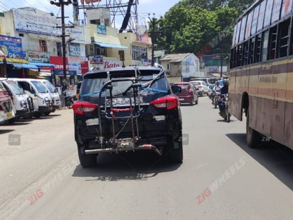 Mahindra Alturas G4 spotted testing for BS-VI compliance