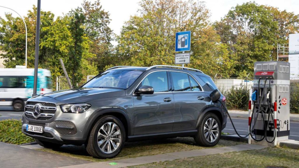 Mercedes-Benz has introduced a diesel plug-in variant of the GLE called the 350de