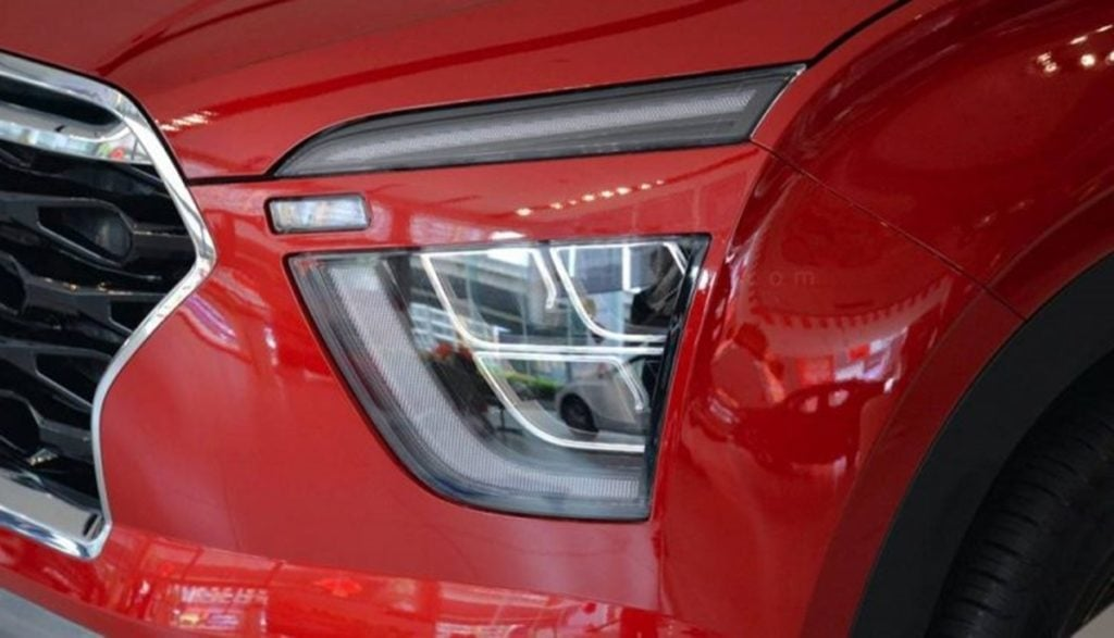 The headlamp cluster of the new Creta is rather quite interesting
