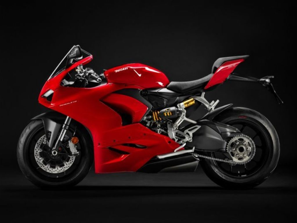 It now looks closer to its elder sibling, the Panigale V4