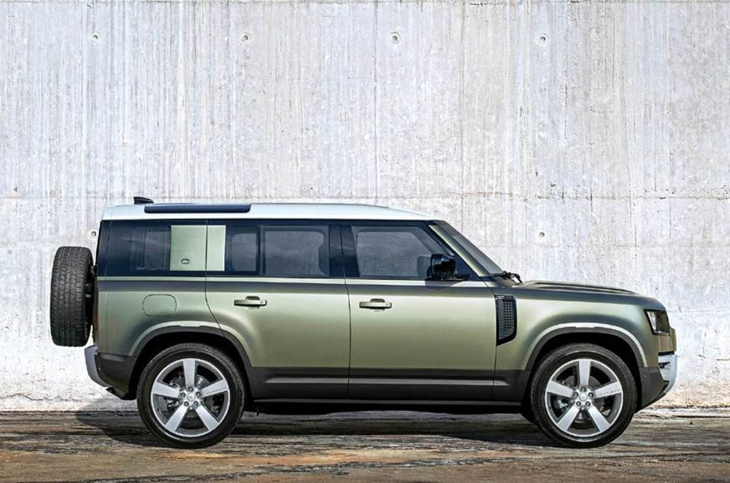 The new Defender is greatly reminiscent of the design of the old Defender and yet its so contemporary.