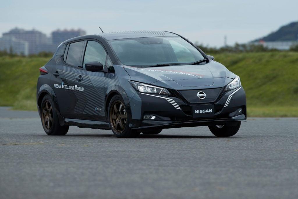 Nissan 4-Wheel Drive EV Image