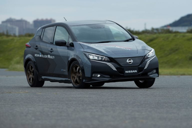 Nissan 4-Wheel Drive EV With Controlled Technology In The Works