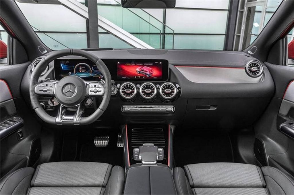 2020 Mercedes-Benz GLA interiors