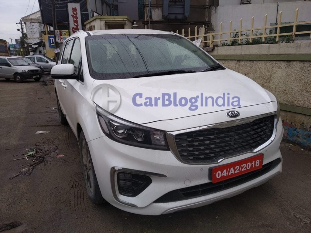 Exclusive Kia Carnival Spied Uncamouflaged In India