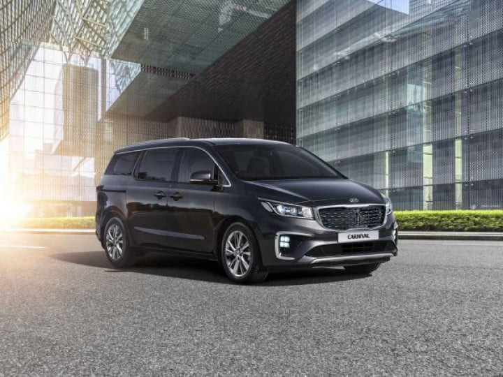 The Kia carnival has garnered over 1400 bookings in just one day
