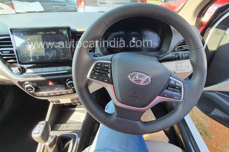 Here are the First Images of the  Hyundai Verna Facelift Interiors!