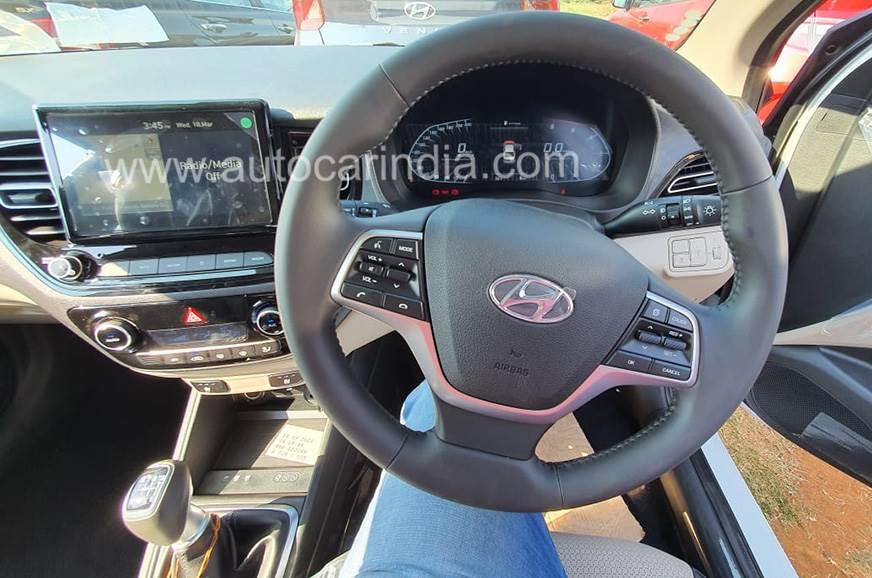 Hyundai-Verna-facelift-interiors-2