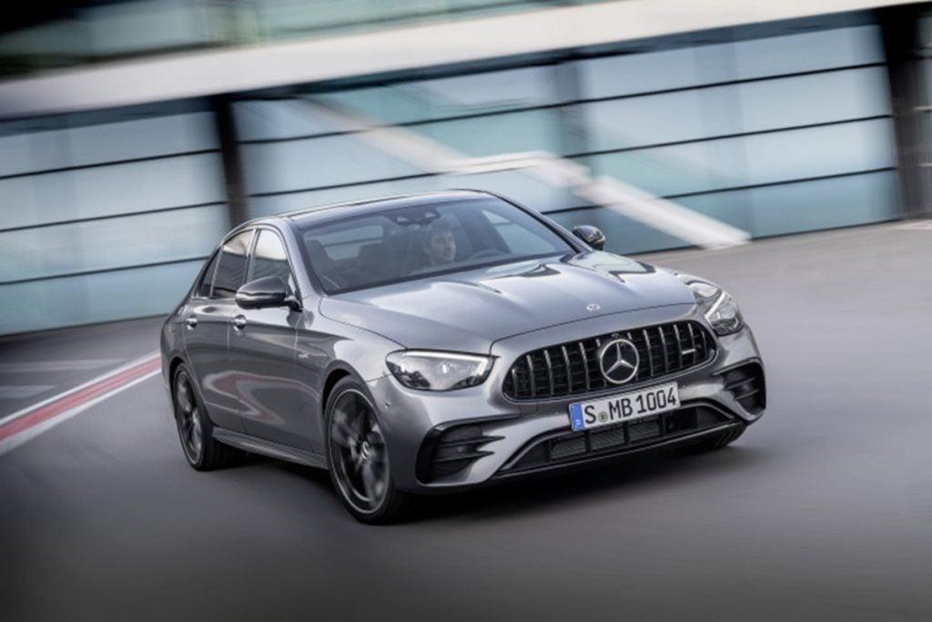 Mercedes a déjà fait ses débuts au niveau international pour le lifting de la Classe E et son arrivée en Inde en 2021.