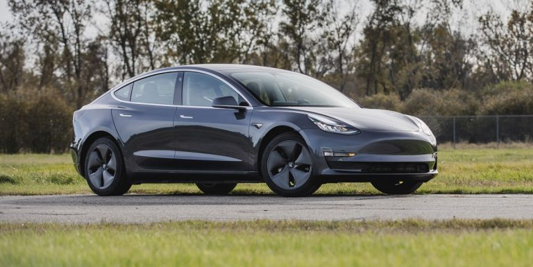 An Electric Car Sounding like a V12? Here's a Tesla Model 3 For an Example!