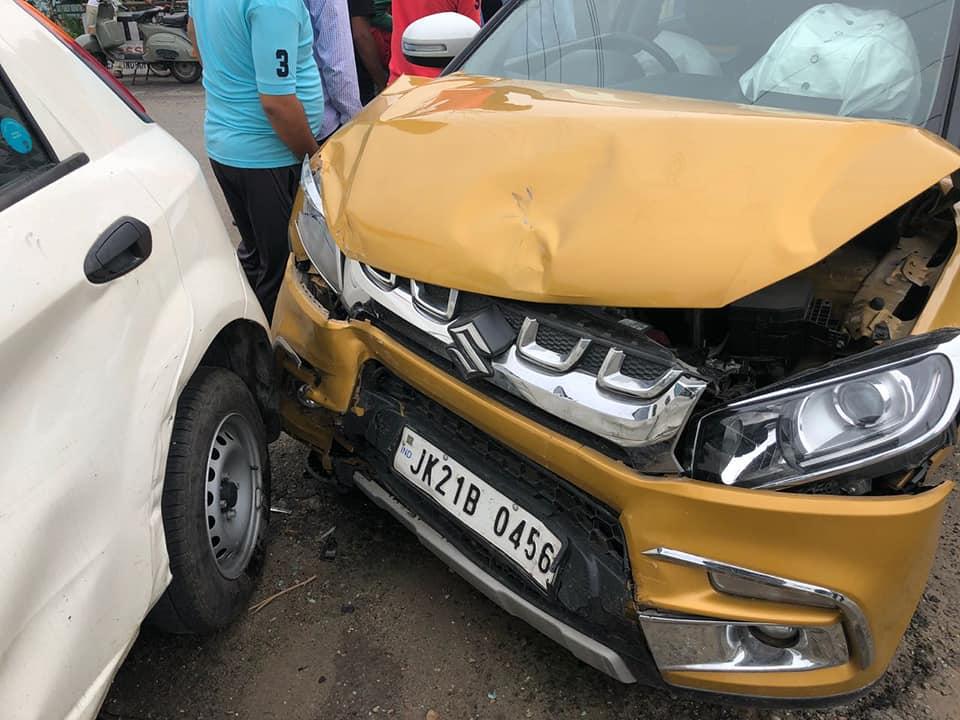 Les occupants des deux voitures étaient également en sécurité après l'incident.
