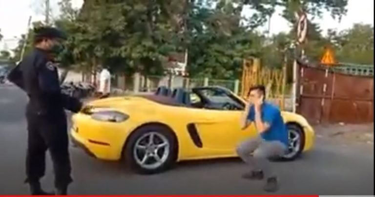 Porsche Boxster Owner Doing Sit-Ups During Lockdown Goes Viral – Here's Why!