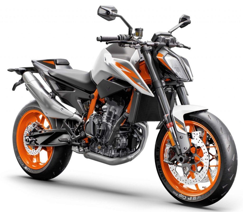 KTM évalue le lancement du Duke 890 R en Inde.