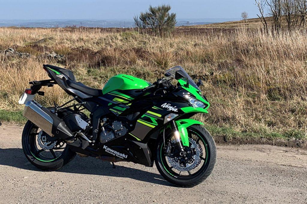 La Kawasaki ZX-6R est l'une des rares motos supersport 600cc disponibles dans le pays