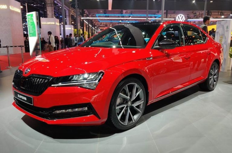 Here's a Variant-Wise Features Details of the 2020 Skoda Superb!