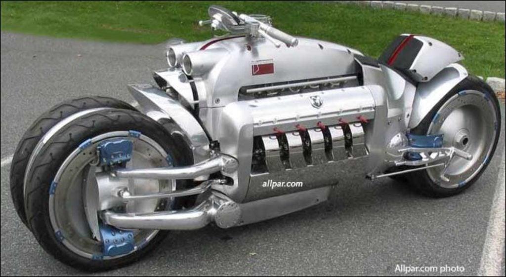 Lorsque Dodge a construit une moto, ils y ont mis un moteur V10 de 8,3 L