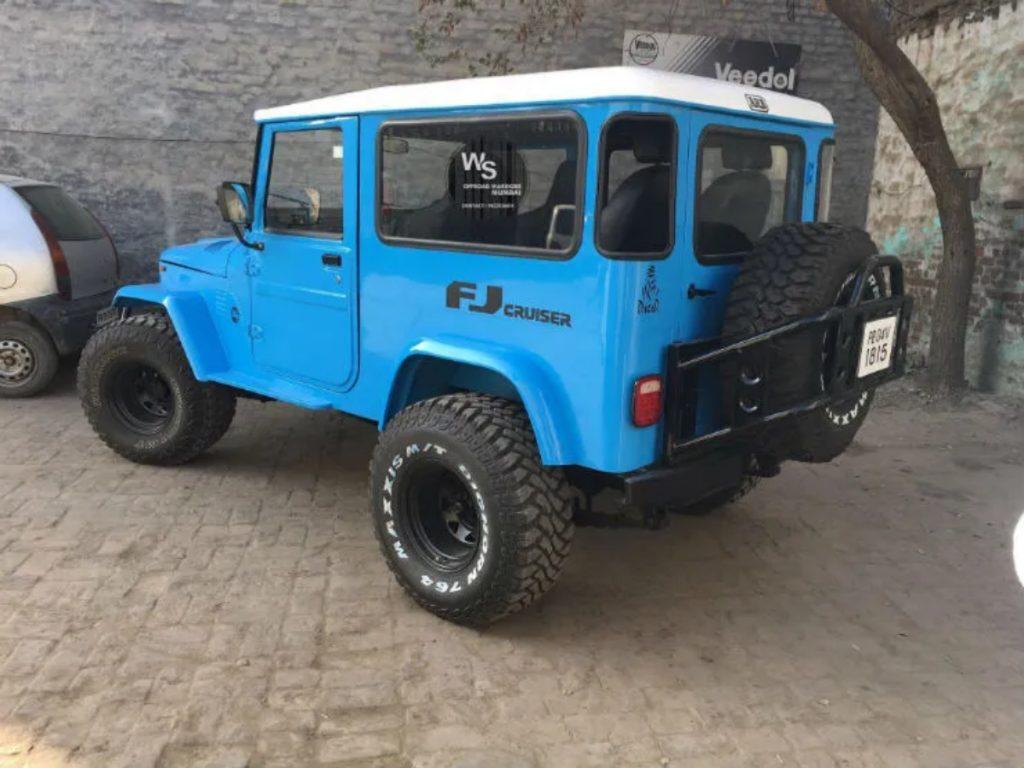 Ce véhicule est basé à Mumbai.