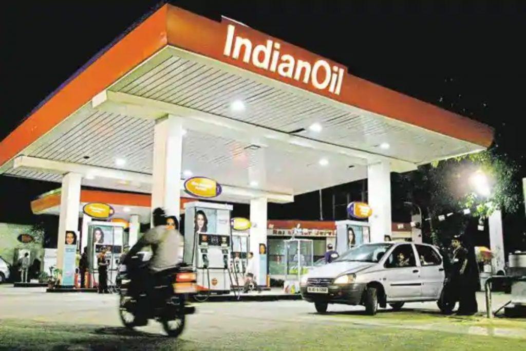 Le prix du diesel est maintenant presque le même que celui de l'essence dans la ville de Delhi