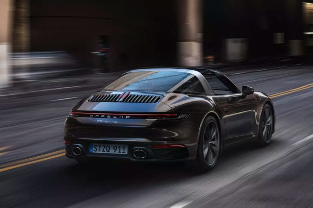 The heart of the Targa is the same twin-turbocharged 3.0-litre flat six engine like the other 911s of this generation.