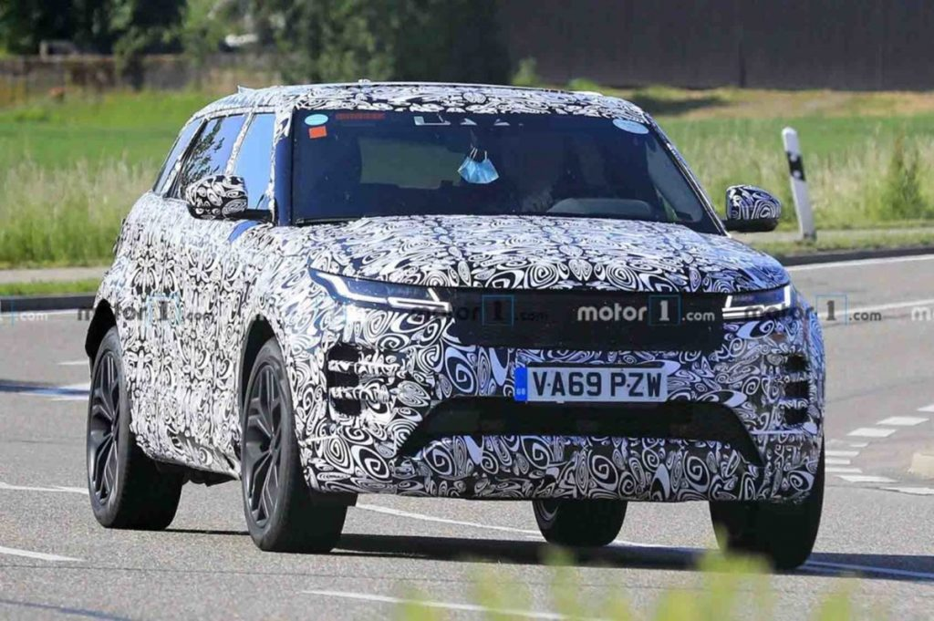 Range Rover is working on a 7-seater version of the Evoque.