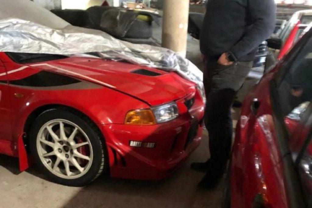 La police affirme que ces voitures auraient pu être destinées à une vente ou à une vente aux enchères illégales, compte tenu de leur rareté.