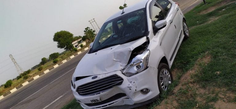 Ford Figo Crashes Into A Maruti Swift – See The Complete Damage